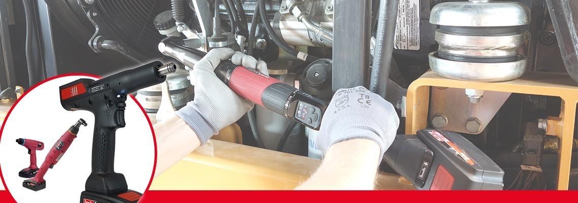 Zoznámte sa s naším sortimentom akumulátorového montážneho náradia: samostatné uhlové akumulátorové náradie s prevodníkom, akumulátorové náradie s rukoväťou v tvare pištole s prevodníkom, akumulátorové uťahovačky a ergonomické akumulátorové náradie s klznou spojkou